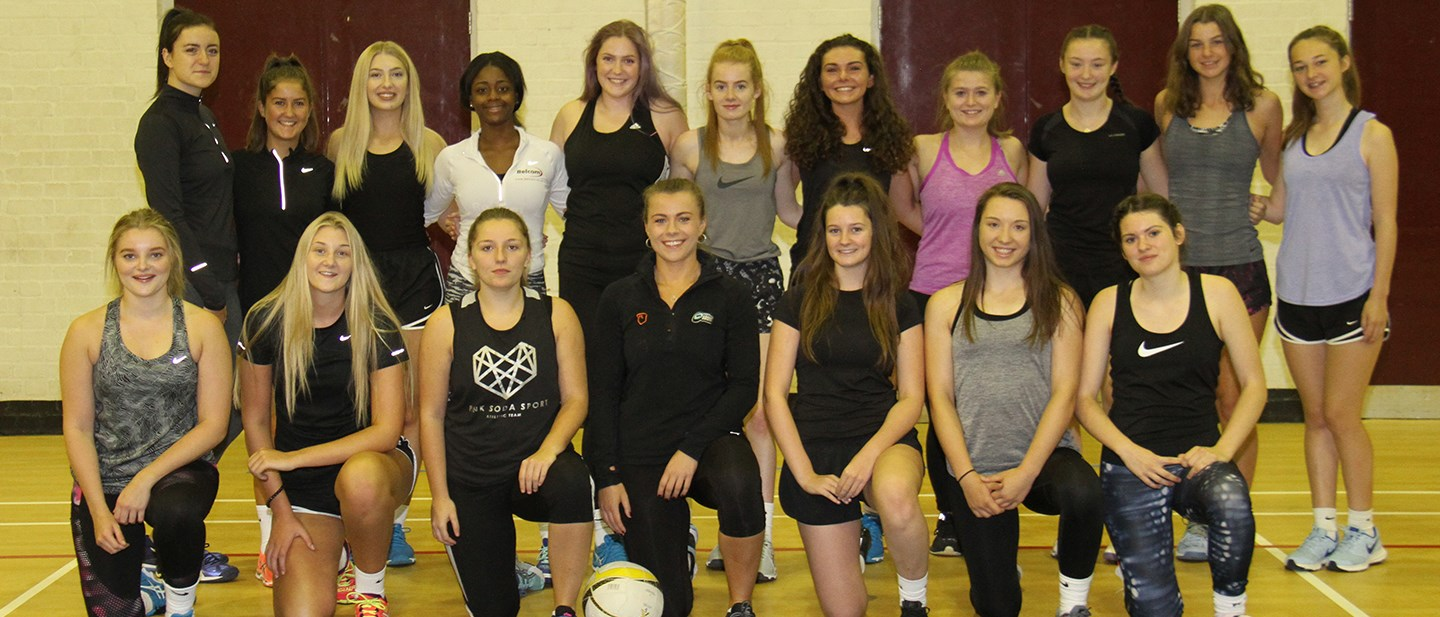 IMAGE Life at college - sports - Netball.JPG